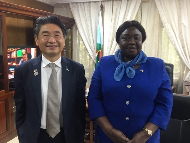 Courtesy visit on Minister of Foreign Affairs and International Cooperation by Ambassador Tsutsumi